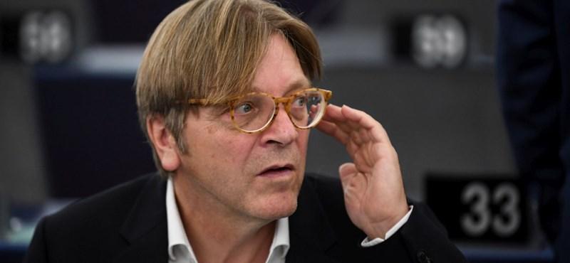 Verhofstadt: A Fidesz csak a félelemkeltéshez és a hazugságokhoz ért