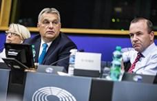 Egyedül Orbán nem állt ki a Néppárt csúcsjelöltje mellett