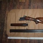 Lőfegyvert és lőszereket találtak egy pécsi lakásban