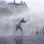 Őrizetben a francia sárgamellényesek egyik vezetője