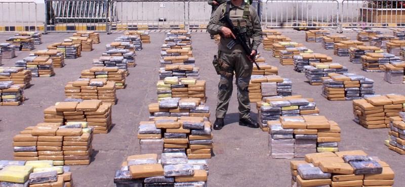 Hat tonna kokaint bukott el a legnagyobb kolumbiai bűnszervezet - fotó