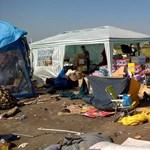 Tiszti főorvos az M1-en: Csak gumikesztyűvel nyúljunk a menekültek hátrahagyott holmijához