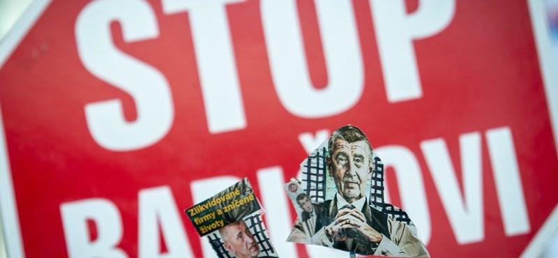 Háromszáz cseh városban követelték Andrej Babis lemondását