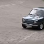Videó: Ilyen egy kispolszki, amelyet egy Honda CBR 900 RR szíve repít