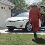 Az év eddigi legjobb Tesla-reklámját rakták össze rajongók – videó