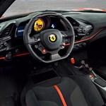 Szentségtörés: videón a hangtalanul, elektromosan suhanó titkos Ferrari