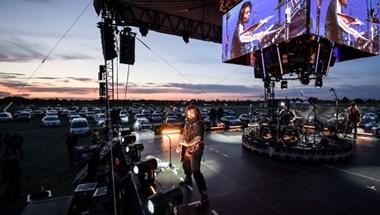 Autósmoziszerű koncertet adott a Tankcsapda (fotó)