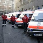 MN: elmaradt pótlékaik miatt perelnek a mentők