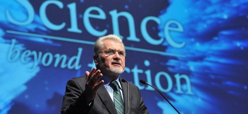 Sok politikus keresett meg – mondta a kutatásipénz-elosztó hivatal volt vezetője
