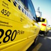 Ingyenautót vagy üzemanyagot kérnek a taxisok, ha olcsóbb tarifát akar Budapest