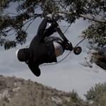 Escape: magyar deszkás kisfilm, lánctalpas vontatóval