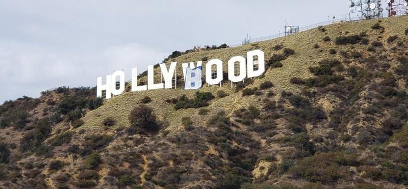 Hollymellet csináltak a Hollywood feliratból Los Angelesben