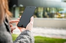 Így tisztítsa egyszerűen a mobiltelefonját