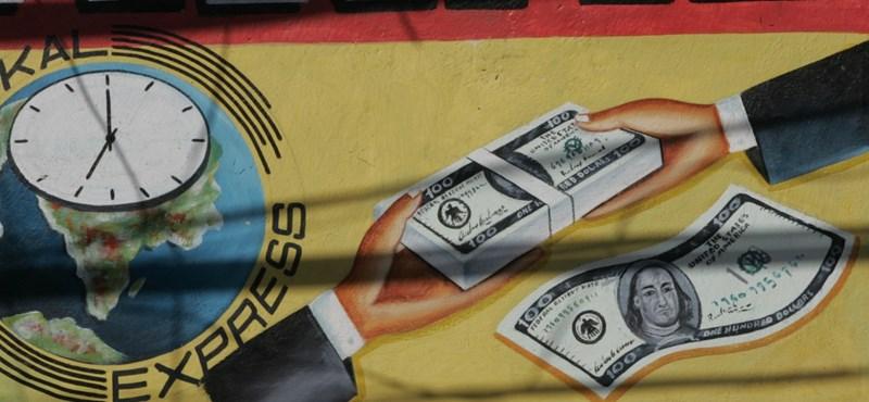 Százezer milliárd forintnál is több pénzt utaltak át a magyarok idén