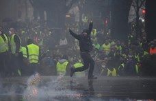Józan érveléssel nem lehet megfékezni a populisták által is heccelt sárgamellényeseket
