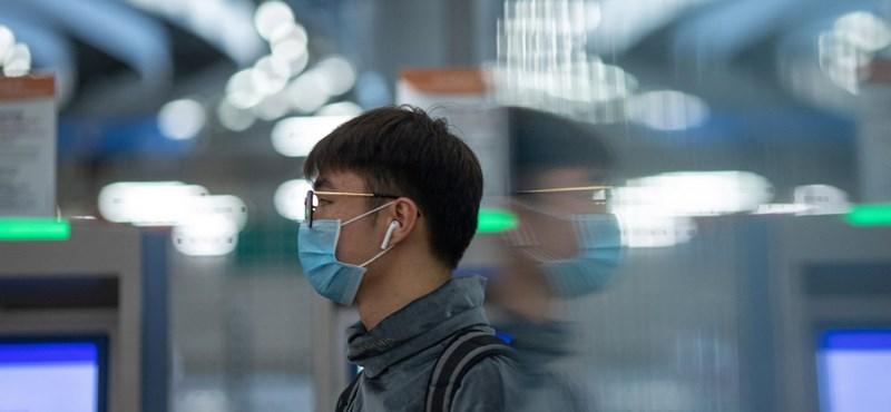Megbüntettek egy kínai boltot, mert megemelte a szájmaszk árát