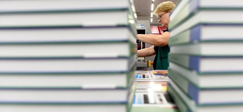 Ön- és közveszélyes keresztes háborút vív a tankönyvpiacon a kormány