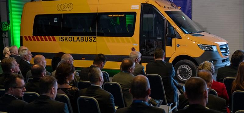 Nap képe: bemutatták az új magyar iskolabuszt