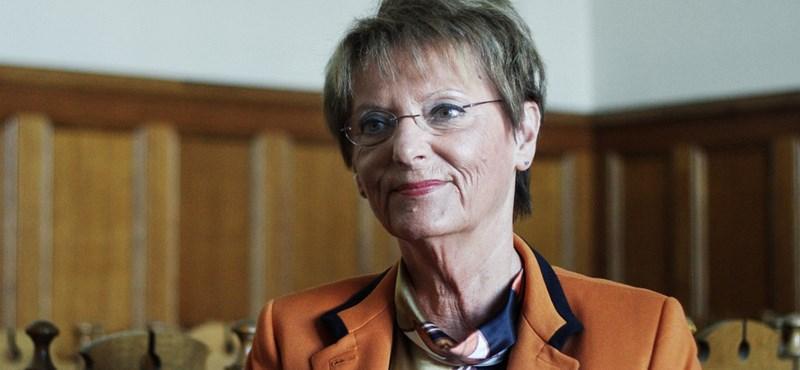 Hoffmann Rózsa állítja, véletlenül szavazta meg a kvótát