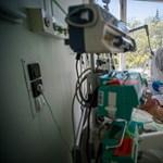 16 ezer lélegeztetőgépet vesz a kormány, de 4 ezret is bajosan lehetne működtetni