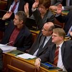 Lázár ajánlata: nem bízik az ellenzék a Fideszben