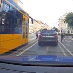 A budapesti bringásokra is lecsaptak a kamerás civil rendőrautókkal