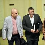 Simonka megérkezett a bíróságra: Remélem, kimondják az ártatlanságomat