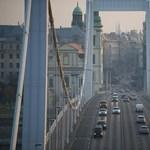 Csúszik a munka, egyelőre maradnak a dugók Budapest belvárosában