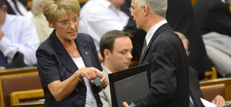 Hoffmann-Pokorni csörte: most lenyomta a Fidesz a kormányt