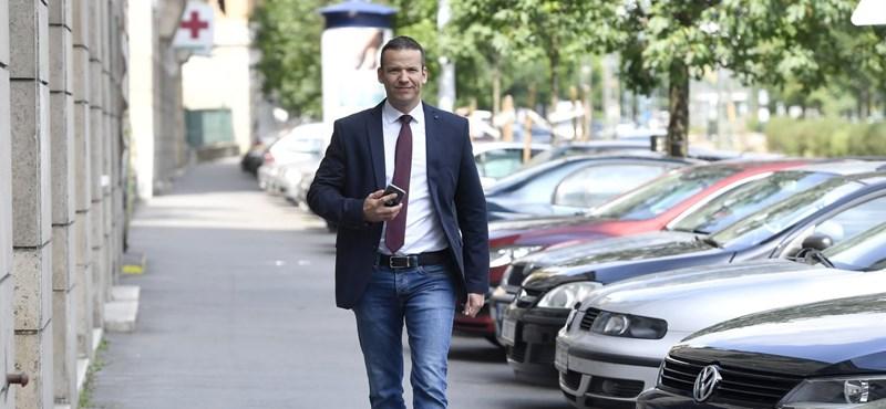 Toroczkai László marad a Jobbikban, belül küzd tovább