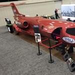 Amerikából jöttem, mesterségem címere: repülőgépből készített limuzin