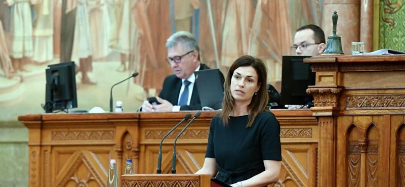 Nem mehetett el Brüsszelbe, a Facebookon tette közzé védőbeszédét Varga Judit