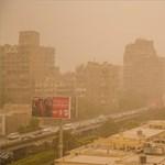 Különleges képek érkeztek az óriási homokviharról - fotók
