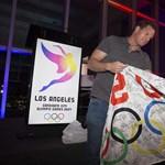 Állítólag lepacsizták a 2024-es és a 2028-as olimpia helyszínét is