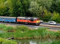 Hibrid motorvonatokat venne a Balaton északi partjára a MÁV-Start