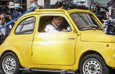 Mi mással menekülhetne Rómában Tom Cruise, mint egy sárga Fiat 500-assal?