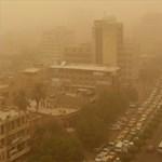 Óriási homokvihar Bagdadban, alig látni az épületeket – fotók