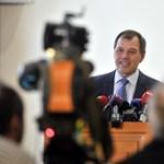 Szlávik: A mutáns vírusok ellen is védenek az oltások