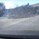 Törökbálintnál mutatta meg egy merész sofőr, mit ne csináljunk soha a lerobbant autónkkal (videó)