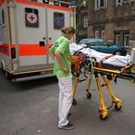 Agyhalott lett egy férfi, mire a kórházba került