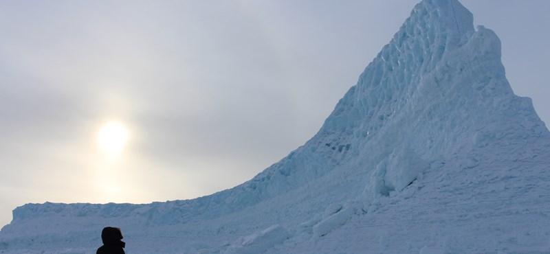 Vészesen fogy Grönlandon a jég, 7 méterrel is emelheti a tengerszintet