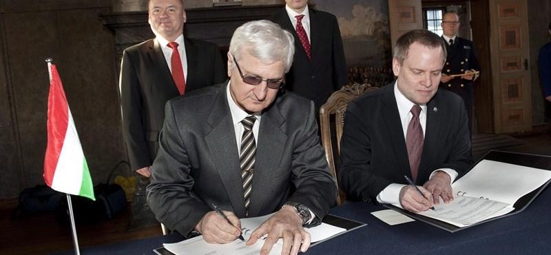 Aláírták a Gripen-szerződés módosítását Stockholmban
