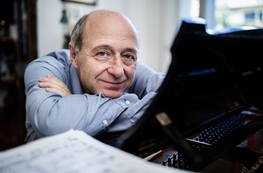 """Fischer Iván: """"A zene boldogító hatása baj esetén megsokszorozódik"""""""