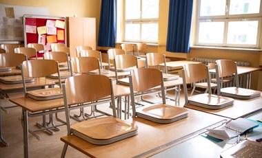 Nyissunk vagy ne? Iskolai folyosón készült kép miatt került bajba egy amerikai diák