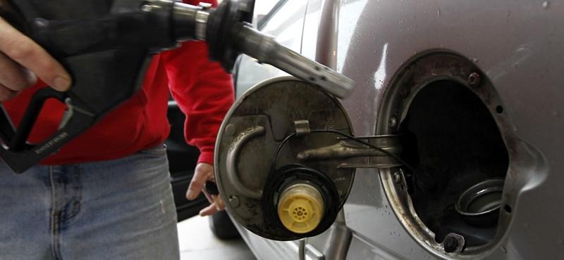 Újabb négy forinttal ugrik meg a benzin ára