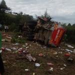 Ötven halott egy kenyai buszbalesetben