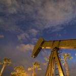 Ismét meredeken zuhan az olaj ára