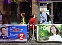 Átütő ellenzéki siker ad reményt a demokráciapártiaknak Hongkongban
