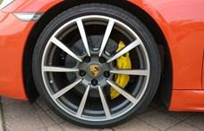 A Porsche, amire BMW logót tettek