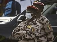 Harc közben, a fronton halt meg Csád elnöke